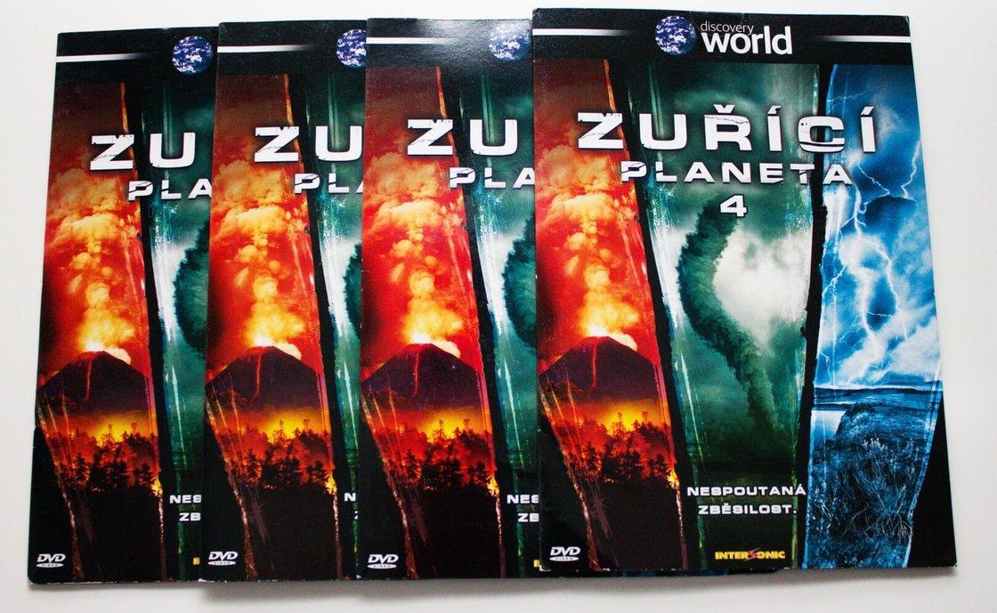 Zuřící planeta - 1-4 - 4 DVD (papírový obal)