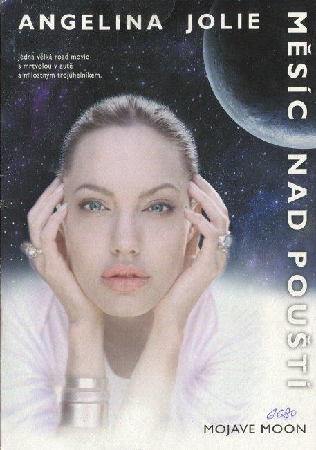 Měsíc nad pouští (DVD) (papírový obal)